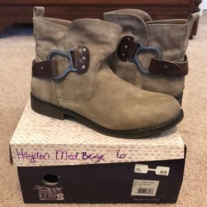 Tan booties like new in box size 37